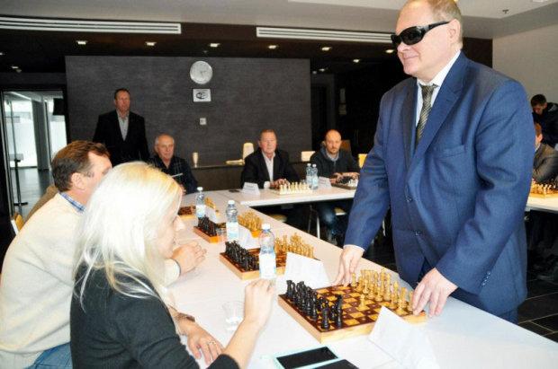 Сергій Васін проводить сеанс одночасної гри