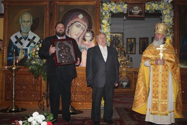 образ Озерянської ікони Богородиці передає Ігор Шрамко
